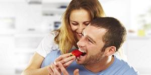 il tuo coniuge può sempre cucinarti una buona cena a casa per aiutare a curare la disfunzione erettile